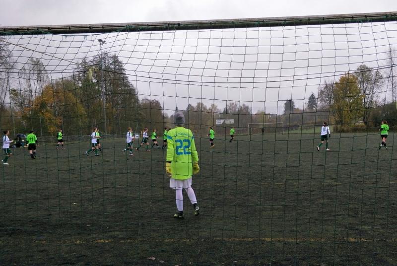Traumhaftes Fußballwetter ist anders, wichtiger waren aber die 3 Punkte