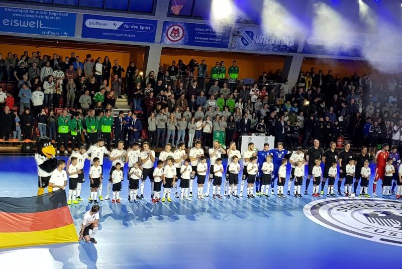 Deutschland im Vordergrund, das Juniorteam im Hintergrund :)
